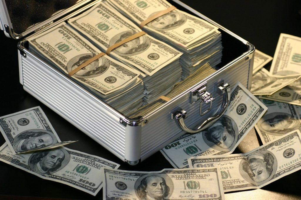アタッシュケースとお金