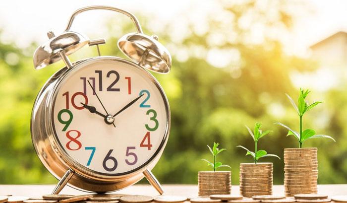 目覚まし時計とお金