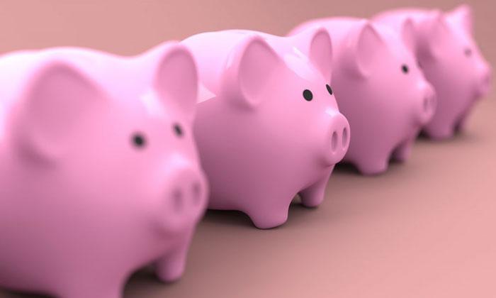 4匹の豚の貯金箱