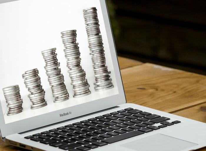 パソコン画面に表示される通貨